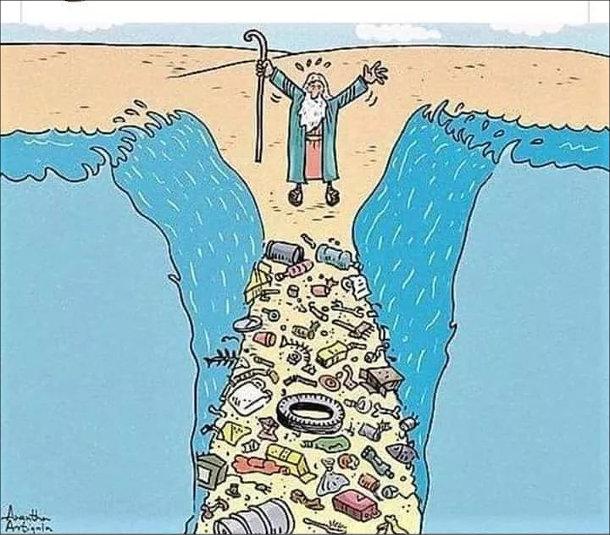 Смішний малюнок про Мойсея. Мойсей розвів морські води і на дні виявилося повно сміття